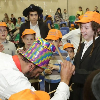 Day of activities and Purim party for the children of Ashdod