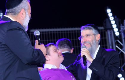 ילדי הארגון במופע קיץ של אברהם פריד בנתיבות • בני גם עלה לשיר