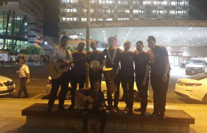 המתנדבים משמחים בבית החולים רמבם בחיפה