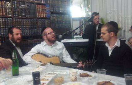 Motzai Shabbos Kumzitz in a private home